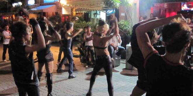 Phuket_carnival_karneval_patong
